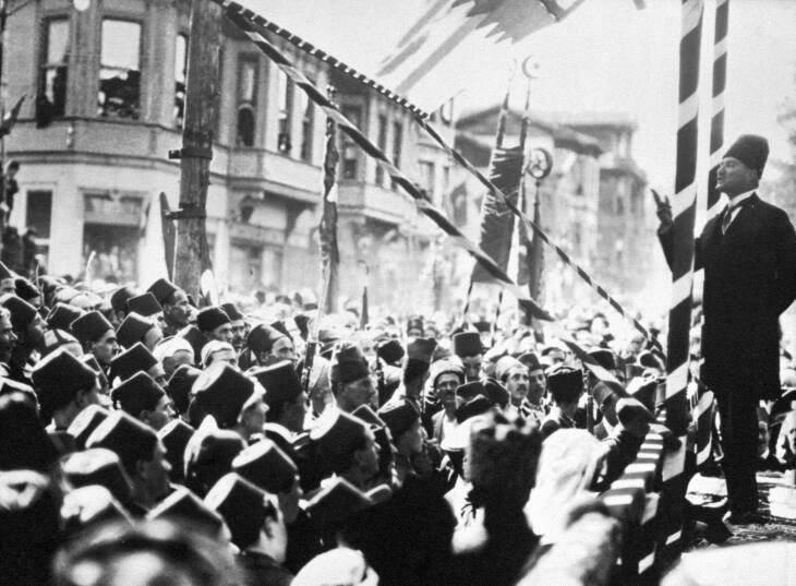 Mustafa Kemal Ataturk, Basra, 1924