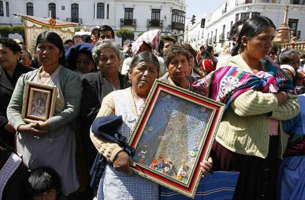 Virgin of Guadalupe procession in Bolivia (c) Reuters